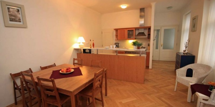 2-bedroom Apartment Praha New Town with kitchen for 9 persons